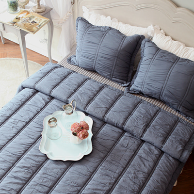 Amelie quilted bedding (blue)