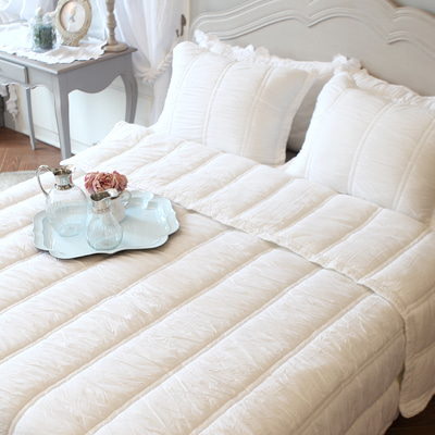 Amelie quilted bedding (Ivory)