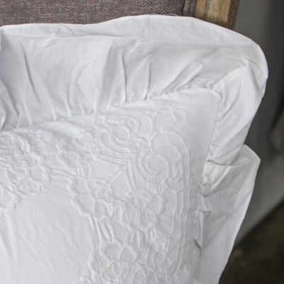 Pure white cushion (CSMV20)
